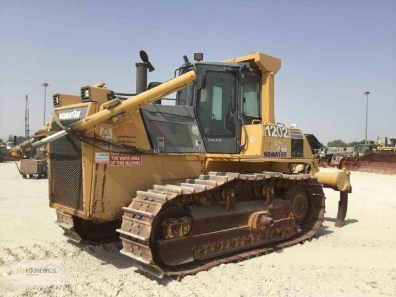 Bulldozer des Typs Komatsu D85EX-15, Gebrauchtmaschine in Dubai (Bild 1)