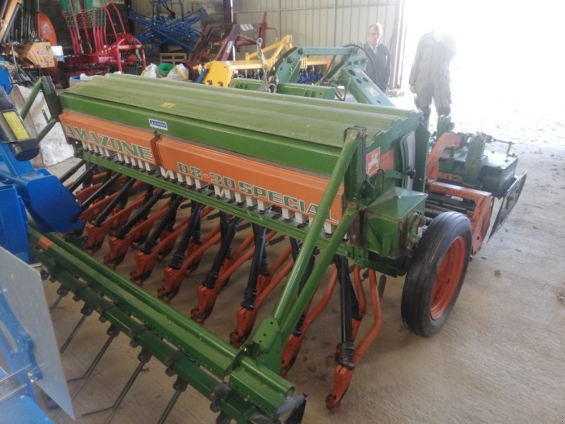 Direktsaatmaschine a típus Amazone D8-30 SPECIAL, Gebrauchtmaschine ekkor: TREMEUR (Kép 1)