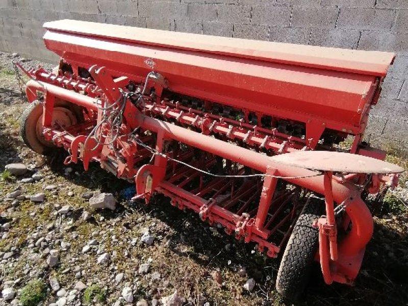 Direktsaatmaschine des Typs Kuhn BS, Gebrauchtmaschine in WALDIGHOFFEN (Bild 1)