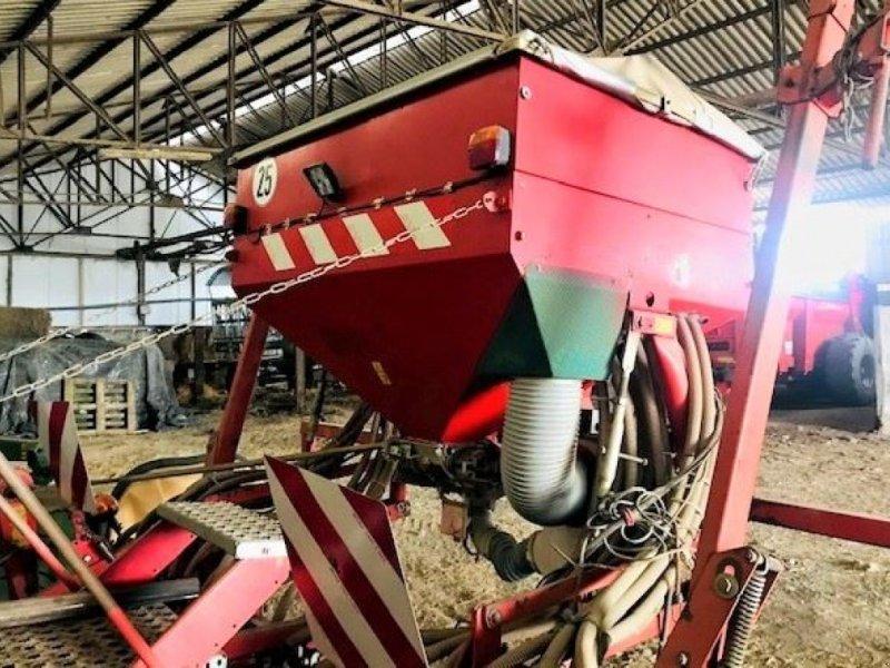 Direktsaatmaschine des Typs Kverneland COMB SEM, Gebrauchtmaschine in HOUPLINES (Bild 3)