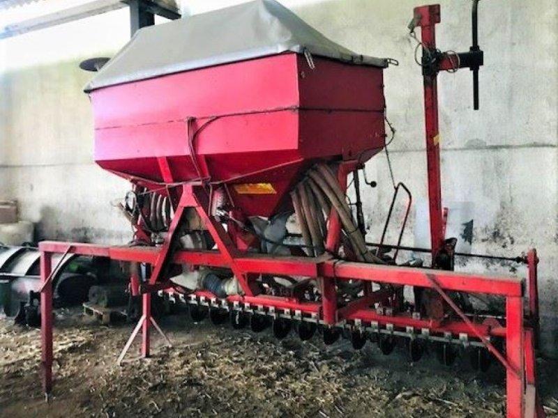 Direktsaatmaschine des Typs Kverneland COMB SEM, Gebrauchtmaschine in HOUPLINES (Bild 2)