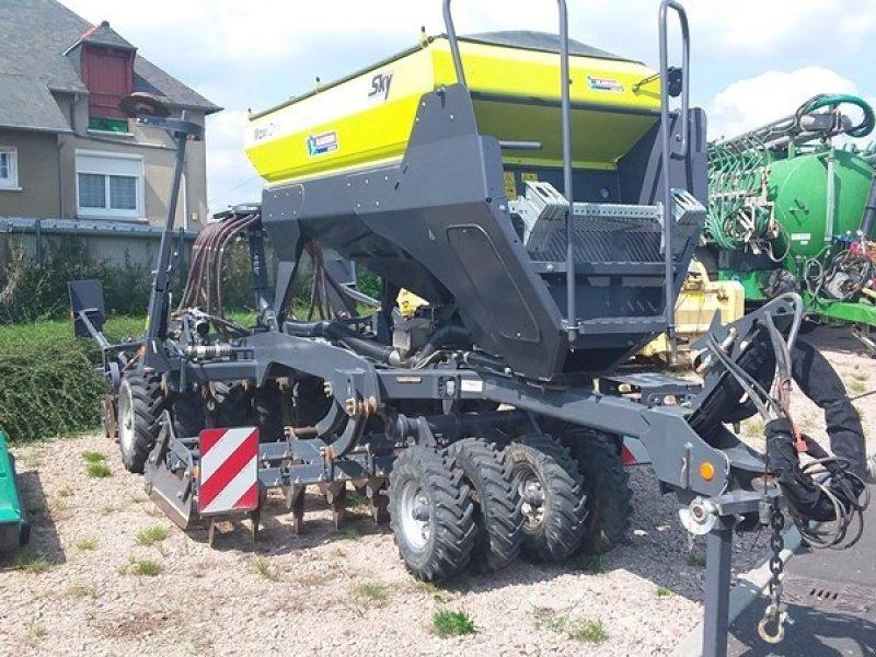 Direktsaatmaschine типа Sky MAXI DRILL 3000, Gebrauchtmaschine в TREMEUR (Фотография 1)