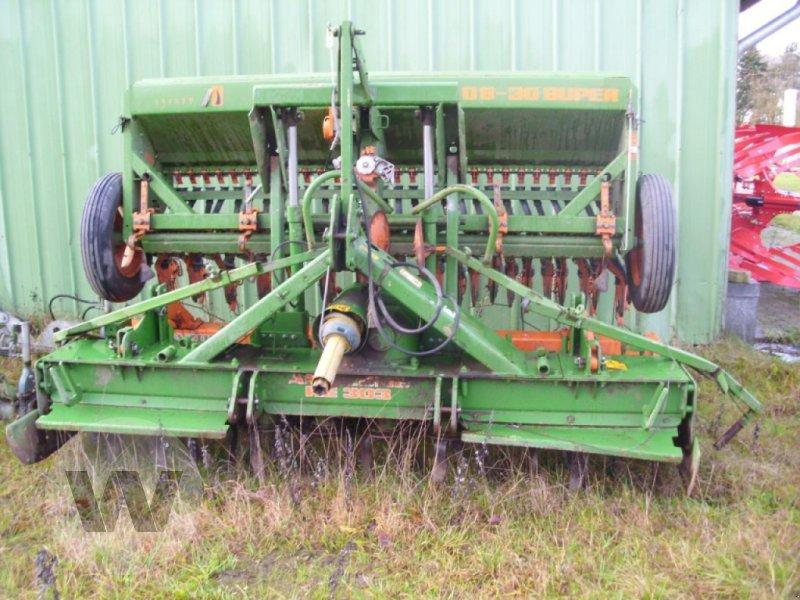 Drillmaschine des Typs Amazone D 8 + KE 301, Gebrauchtmaschine in Börm (Bild 1)