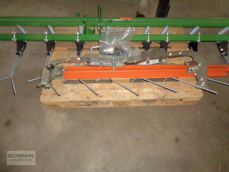 Drillmaschine des Typs Amazone Exaktstriegel 4000 zu D9, AD und AD-P, Neumaschine in Oldenburg in Holstei (Bild 3)