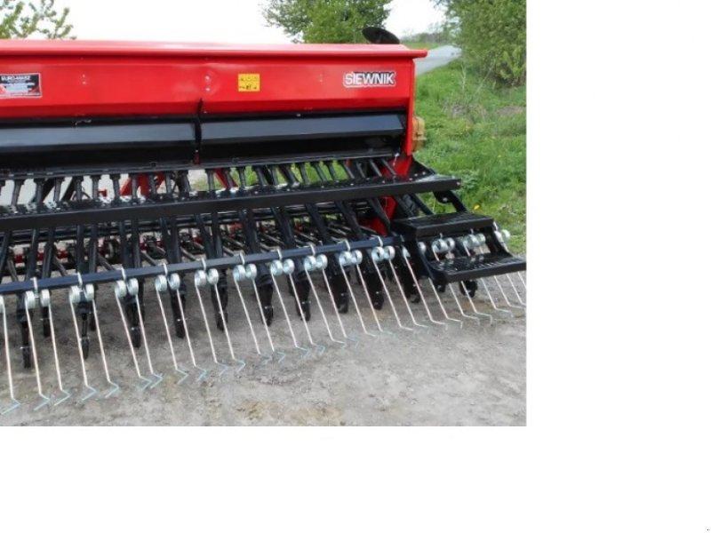 Drillmaschine типа Euro-Masz Drillmaschine mit Schleppscharen, Neumaschine в Siekierczyn (Фотография 1)