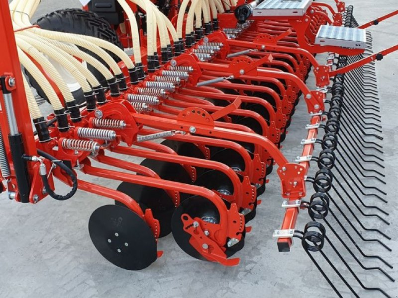 Drillmaschine tipa Maschio Gaspardo Pinta XL600/48 ISOBUS      24500€, Neumaschine u Rovisce (Slika 6)