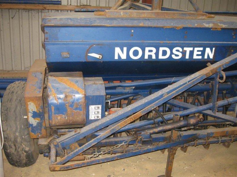 Drillmaschine типа Nordsten CLF 600 manuel rækkeafb. efterharve, Gebrauchtmaschine в Aarup (Фотография 1)