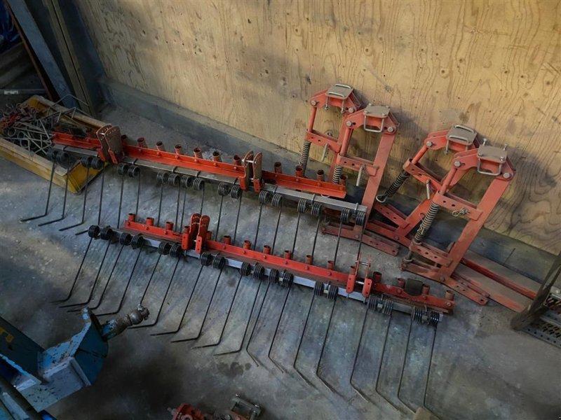 Drillmaschinenkombination des Typs Kuhn >4m Kuhn 4003/Venta LC  4 m efterharve med holder for frøudløb, Gebrauchtmaschine in Kjellerup (Bild 1)