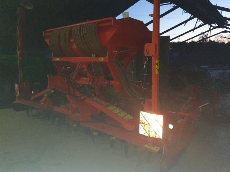 Drillmaschinenkombination типа Kuhn HR4003, Gebrauchtmaschine в Bray En Val (Фотография 1)