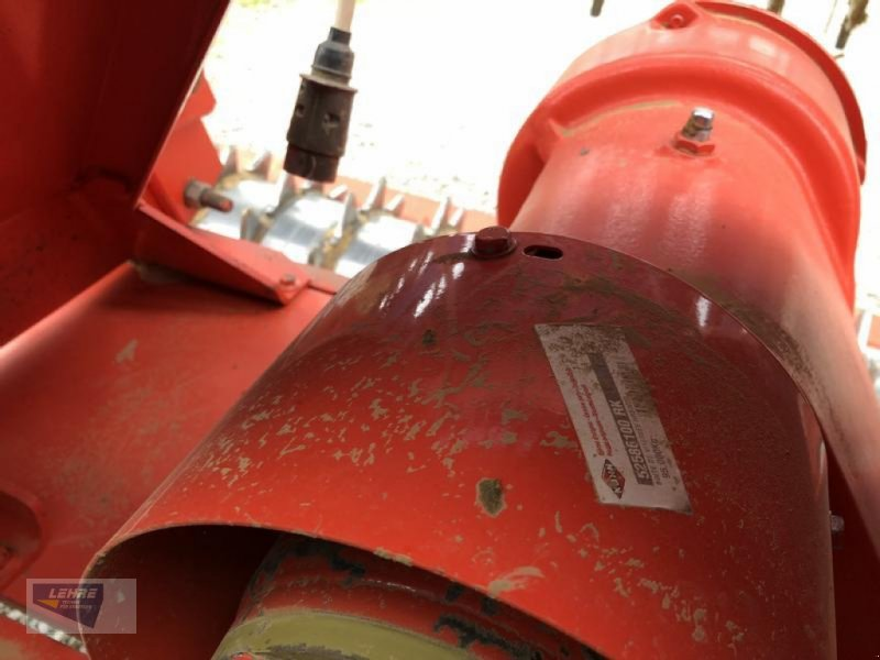 Drillmaschinenkombination типа Kuhn HRB 302D neuwertig + Rabe Pöttinger Multidrill Eco Line 300 Hitch Top, Gebrauchtmaschine в Haiterbach (Фотография 6)