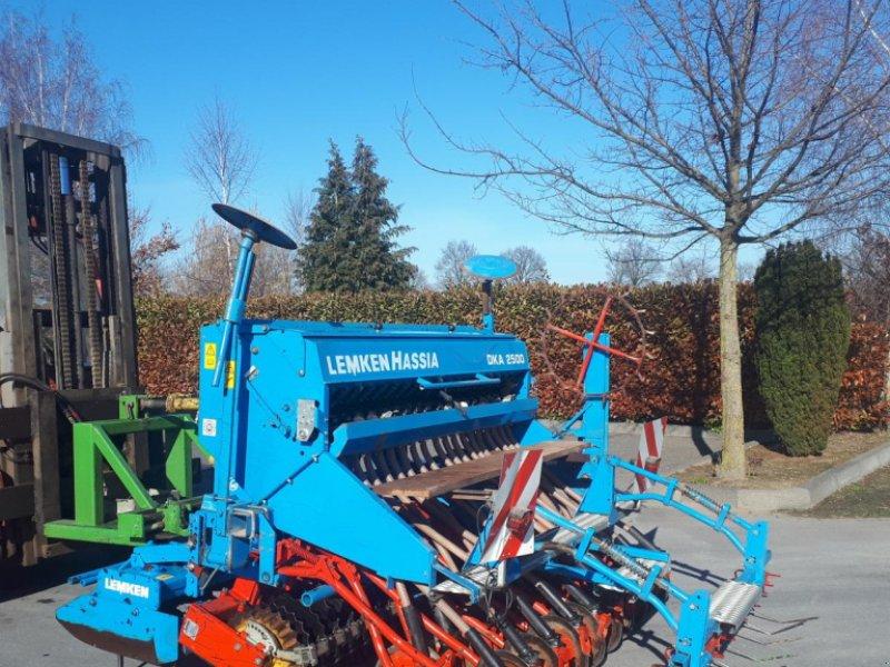 Drillmaschinenkombination типа Lemken Zirkon 7/250 mit Güttlerwalze  und Drille mit Rollscharen im gutem Zustand, Gebrauchtmaschine в Rheda-Wiedenbrück (Фотография 1)
