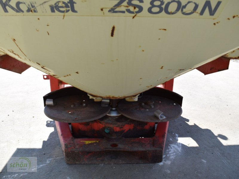 Düngerstreuer des Typs Rauch Komet ZS 800 N Zweischeibenstreuer mit hydraulischem Schieber und Abdeckung, Gebrauchtmaschine in Burgrieden (Bild 8)