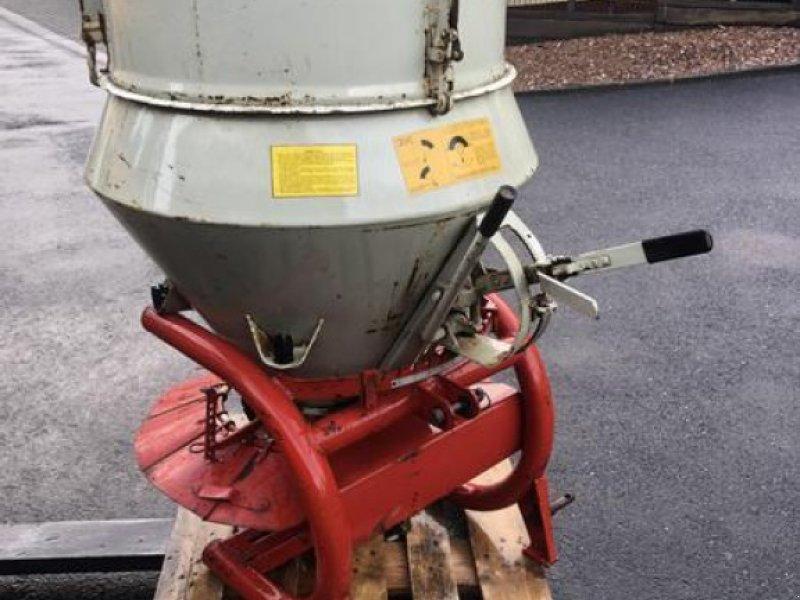 Düngerstreuer des Typs Rauch WB Streuer Düngerstreuer Salzstreuer mit Aufsatz - Versand möglich, Gebrauchtmaschine in Niedernhausen (Bild 1)