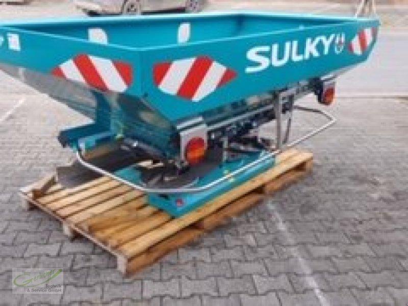 Düngerstreuer des Typs Sulky DX 30+, Neumaschine in Neustadt (Bild 1)