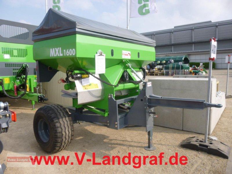 Düngerstreuer des Typs Unia MXL 1600, Neumaschine in Ostheim/Rhön (Bild 1)