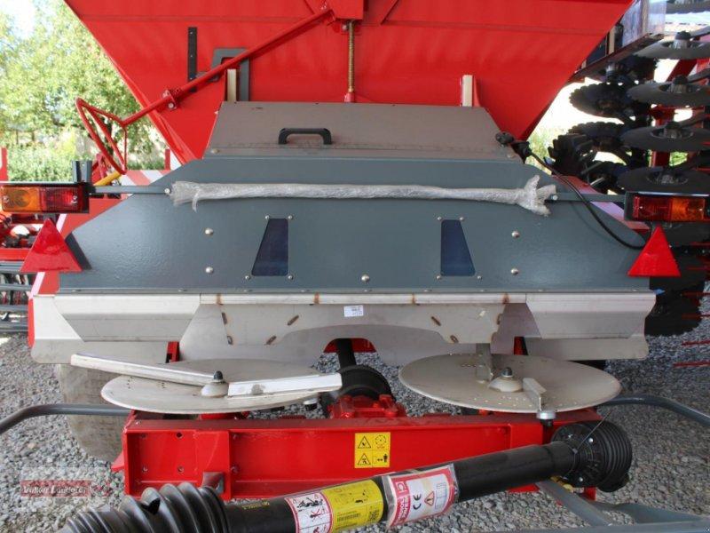 Düngerstreuer des Typs Unia RCW 5500, Neumaschine in Ostheim/Rhön (Bild 2)