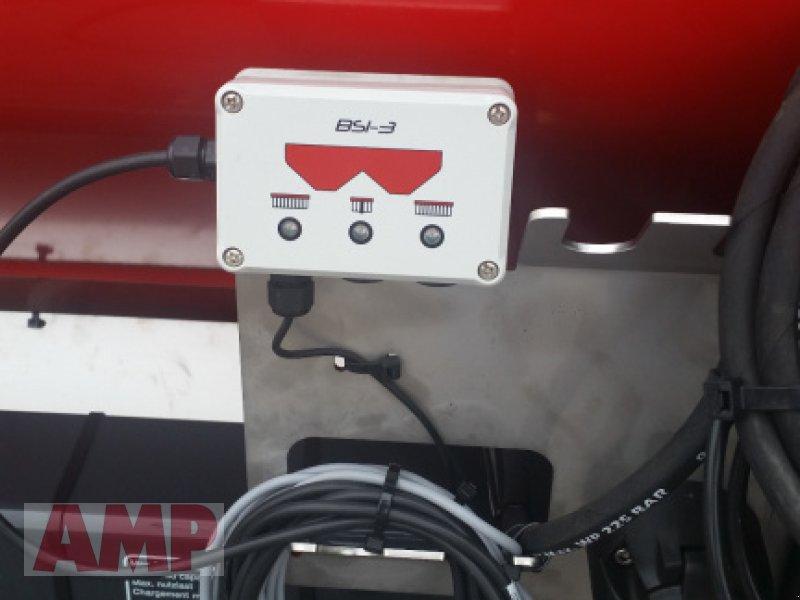 Düngerstreuer des Typs Vicon RotaFlow RO-M E 1550, Neumaschine in Teising (Bild 3)