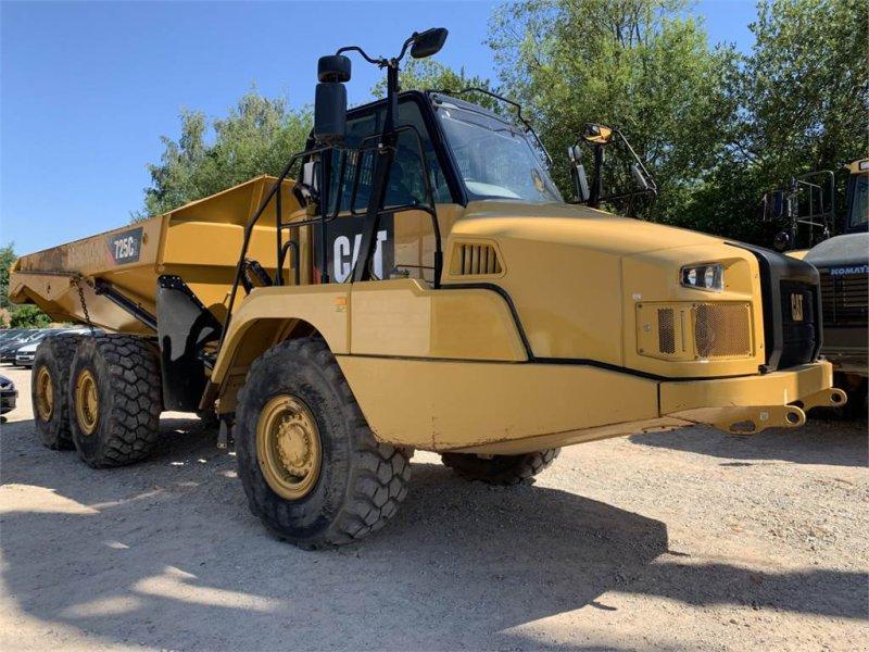 Dumper des Typs Caterpillar 725C2 Dumper 6x6 Neuwertiger Zustand!!, Gebrauchtmaschine in Schrobenhausen (Bild 7)