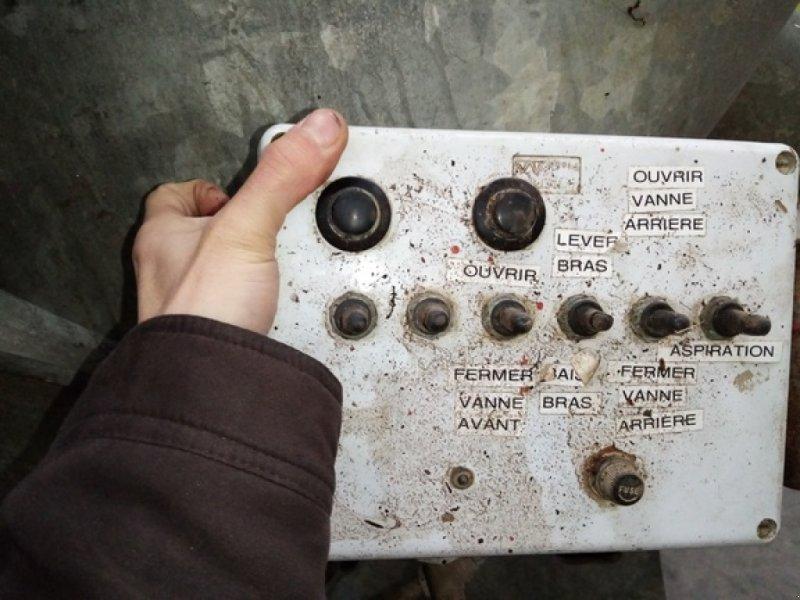 Dungstreuer des Typs Agrimat TANKER 11500, Gebrauchtmaschine in THEROUANNE (Bild 3)