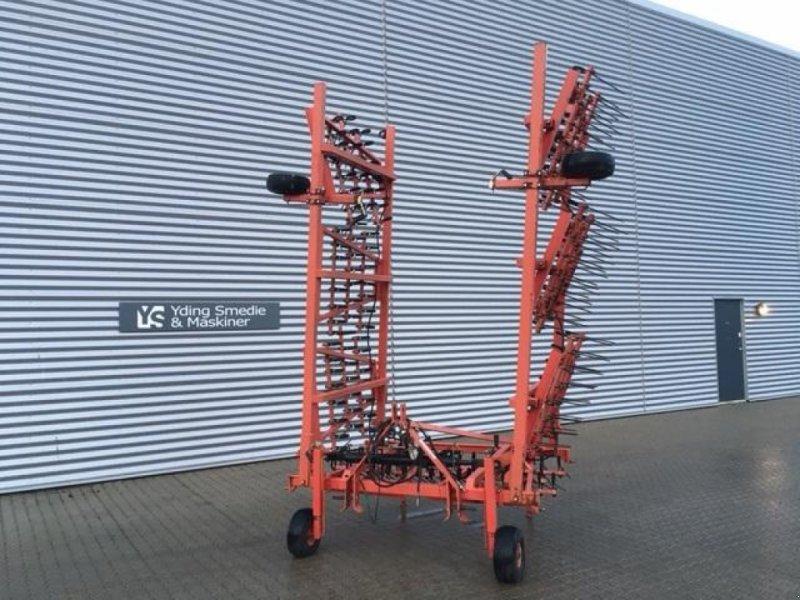 Egge типа Sonstige 8 meter ukrudts strigle, Gebrauchtmaschine в Horsens (Фотография 1)