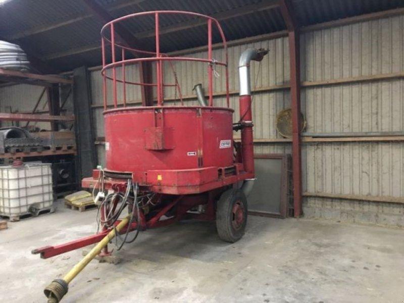 Einstreutechnik типа Sonstige Traktor monteret, Gebrauchtmaschine в øster ulslev (Фотография 1)