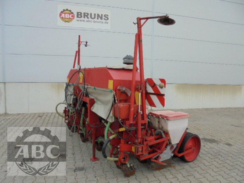 Einzelkornsägerät des Typs Becker AEROMAT T 6Z, Gebrauchtmaschine in Cloppenburg (Bild 1)
