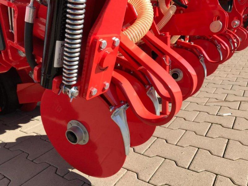Einzelkornsägerät des Typs Gaspardo MTE-R 300 6r. Isobus, Neumaschine in Emsbüren (Bild 6)