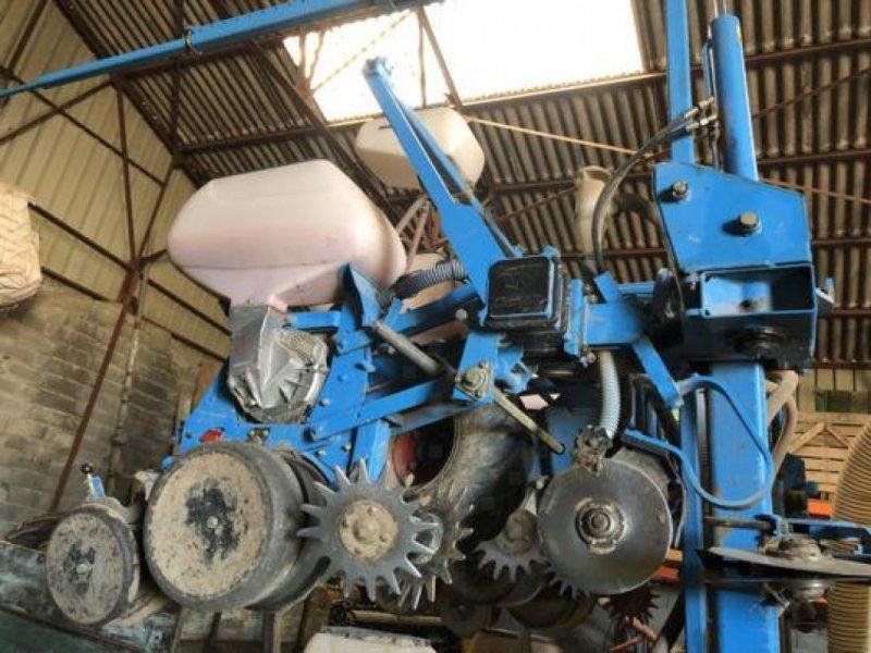 Einzelkornsägerät типа Monosem NG+4, Gebrauchtmaschine в Sainte-Croix-en-Plaine (Фотография 1)
