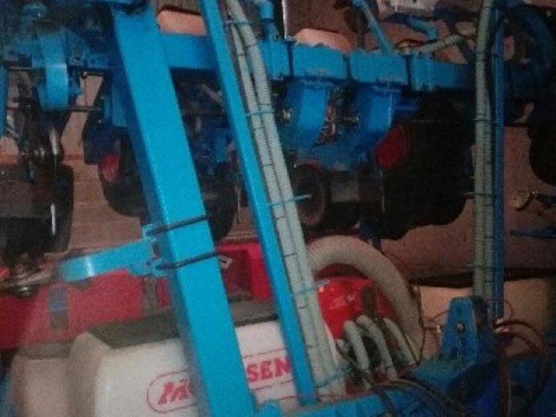Einzelkornsägerät des Typs Monosem NG PLUS 8R, Gebrauchtmaschine in Ste Catherine (Bild 1)