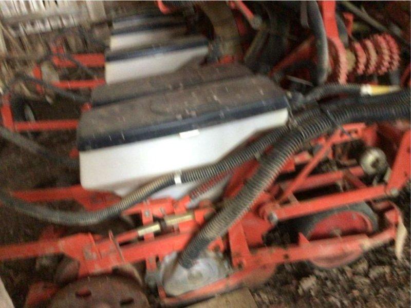 Einzelkornsägerät типа Nodet PLANTER JUNIOR BALANCIER, Gebrauchtmaschine в BOULOGNE SUR GESSE (Фотография 1)