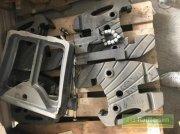 elektronische Zusatzgeräte des Typs Valtra Frontgewichtsträger für AXX4 Serie, Ausstellungsmaschine in Mosbach