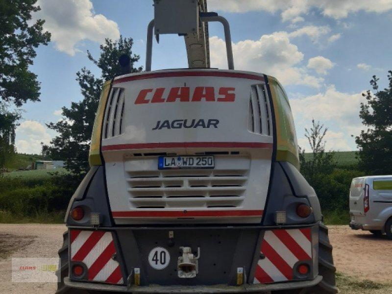 Feldhäcksler des Typs CLAAS Jaguar 940 Allrad mit Orbis 600, Gebrauchtmaschine in Mengkofen (Bild 4)
