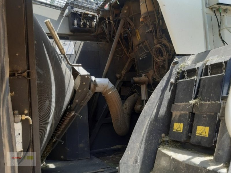 Feldhäcksler des Typs CLAAS Jaguar 940 Allrad mit Orbis 600, Gebrauchtmaschine in Mengkofen (Bild 13)