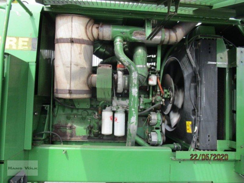 Feldhäcksler des Typs John Deere 6810, Gebrauchtmaschine in Soyen (Bild 15)