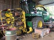 John Deere 7400 Récolteuse-hacheuse