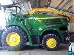 Feldhäcksler des Typs John Deere 8300 in Aurach