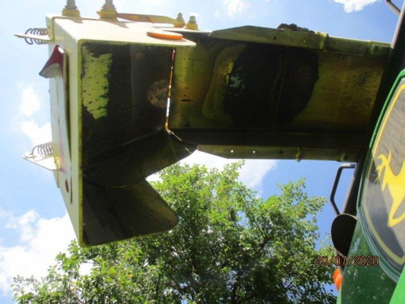 Feldhäcksler des Typs John Deere 8300i, Gebrauchtmaschine in Soyen (Bild 8)