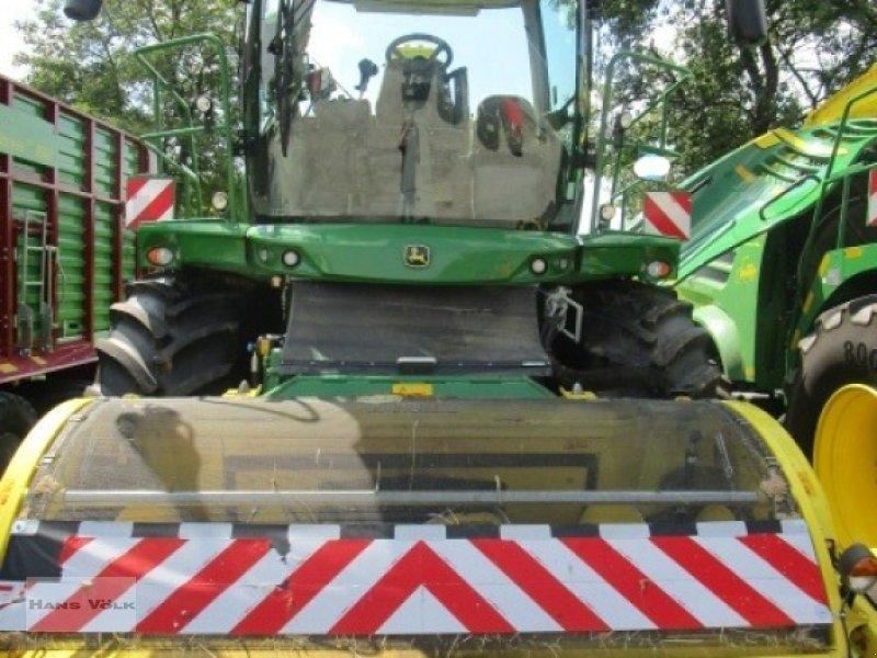 Feldhäcksler des Typs John Deere 8300i, Gebrauchtmaschine in Soyen (Bild 3)