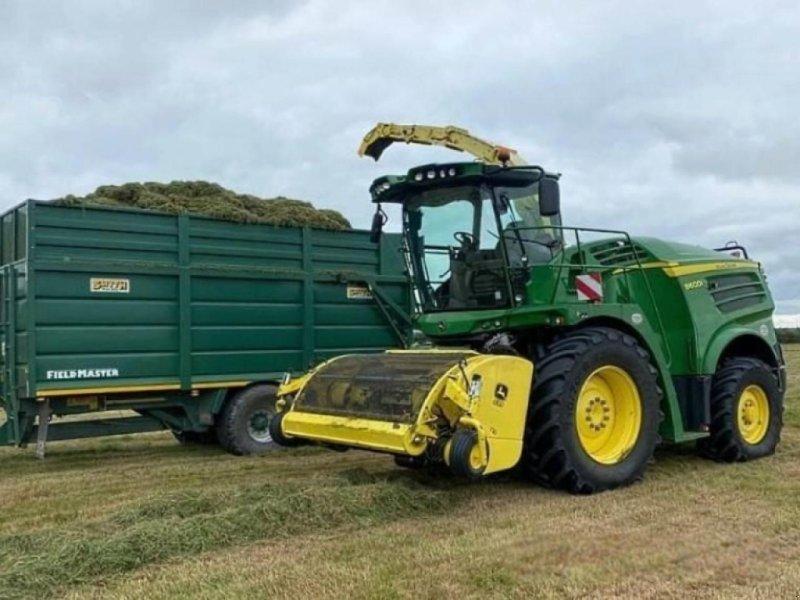 Feldhäcksler типа John Deere 8600i pro drive <b> complete with jd 639 3m grass, Gebrauchtmaschine в  (Фотография 1)