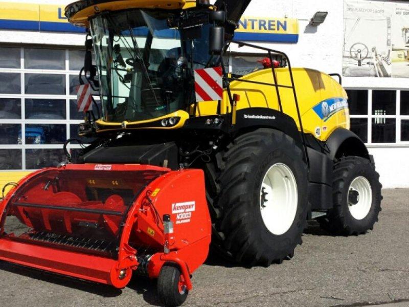 Feldhäcksler des Typs New Holland FR 550 T4B, Neumaschine in Ampfing (Bild 1)