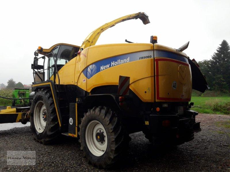Feldhäcksler des Typs New Holland FR 9060, Gebrauchtmaschine in Soyen (Bild 2)