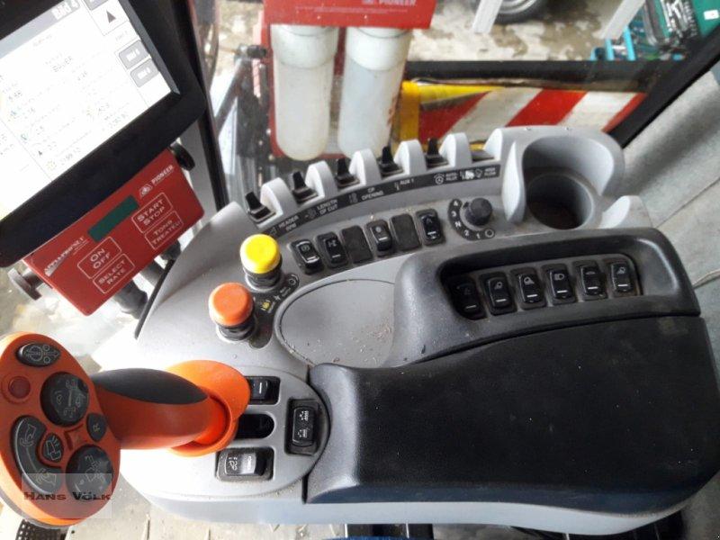 Feldhäcksler des Typs New Holland FR 9060, Gebrauchtmaschine in Soyen (Bild 4)