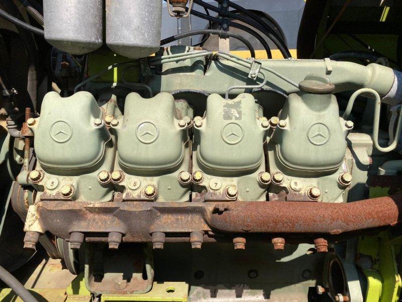 Feldhäcksler des Typs Sonstige Mercedes Benz v8 motor, Gebrauchtmaschine in Vriezenveen (Bild 1)