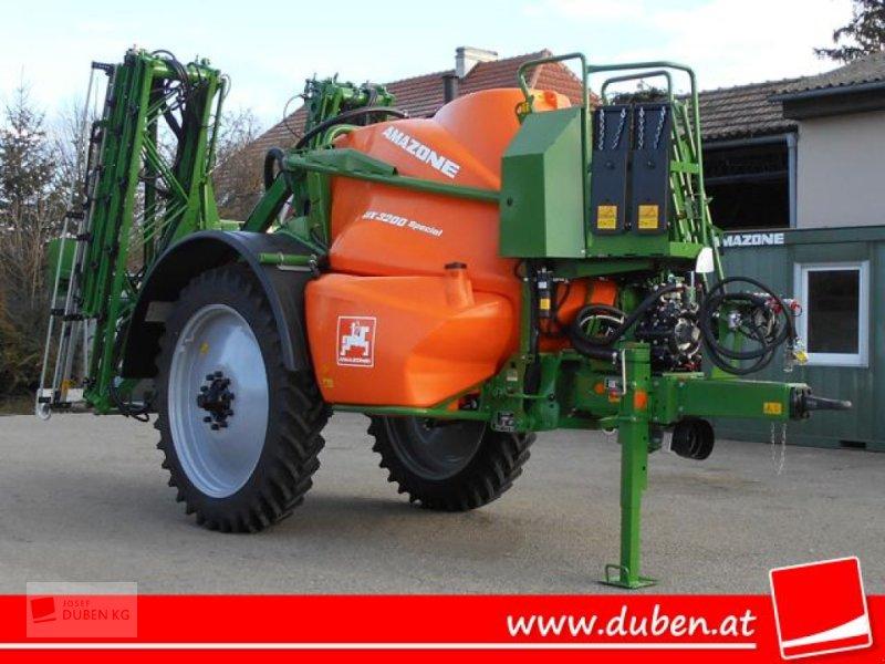 Feldspritze des Typs Amazone UX 3200, Neumaschine in Ziersdorf (Bild 1)