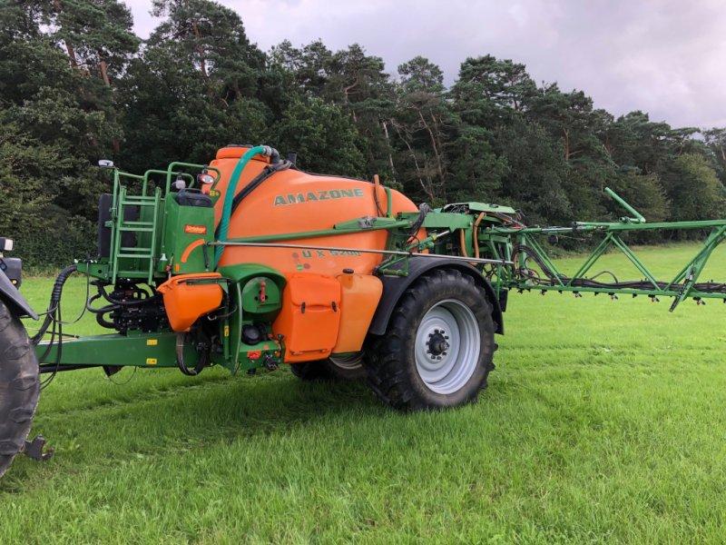 Feldspritze des Typs Amazone UX 5200 Super, Gebrauchtmaschine in Osterburken (Bild 1)