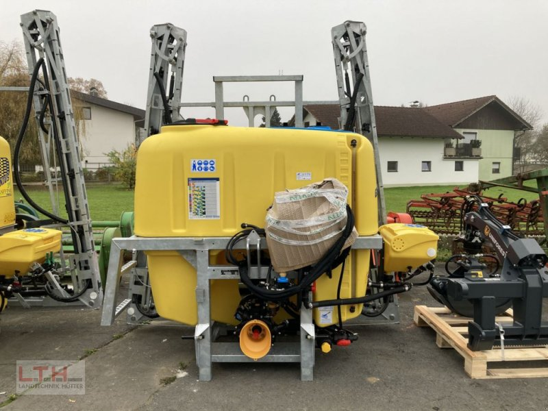 Feldspritze des Typs Caffini Genius 1.000lt / 12m, Neumaschine in Gnas (Bild 1)