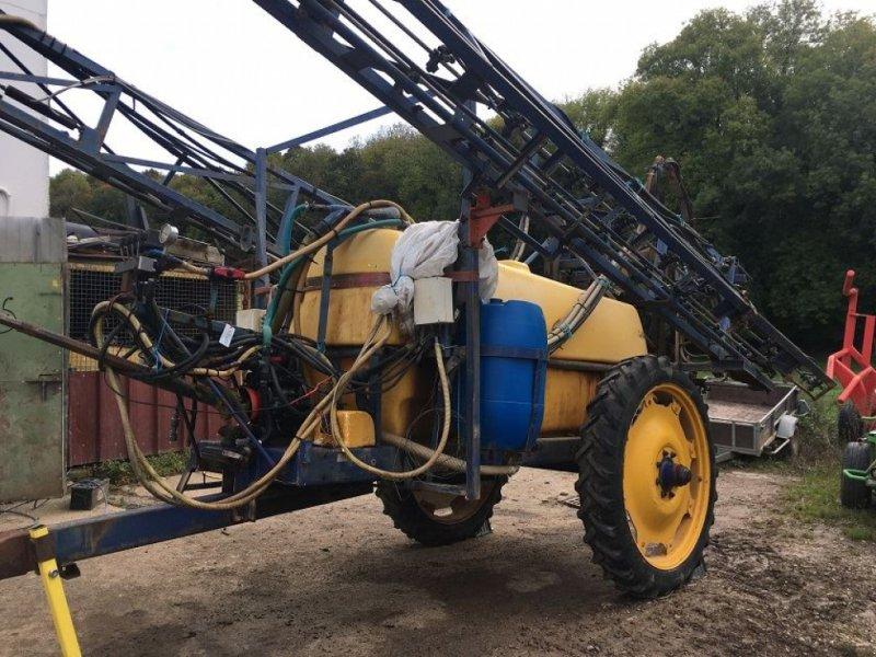 Feldspritze a típus Caruelle 2500L, Gebrauchtmaschine ekkor: les hayons (Kép 1)