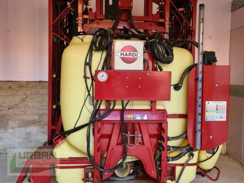 Feldspritze des Typs Hardi Master Plus 1200, Gebrauchtmaschine in Essenbach (Bild 1)