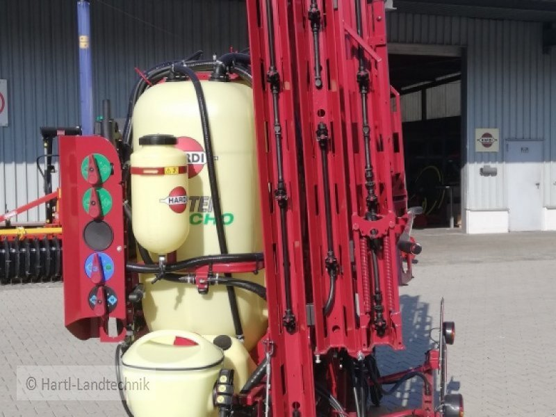 Feldspritze des Typs Hardi Master Pro 1200, Neumaschine in Ortenburg (Bild 8)