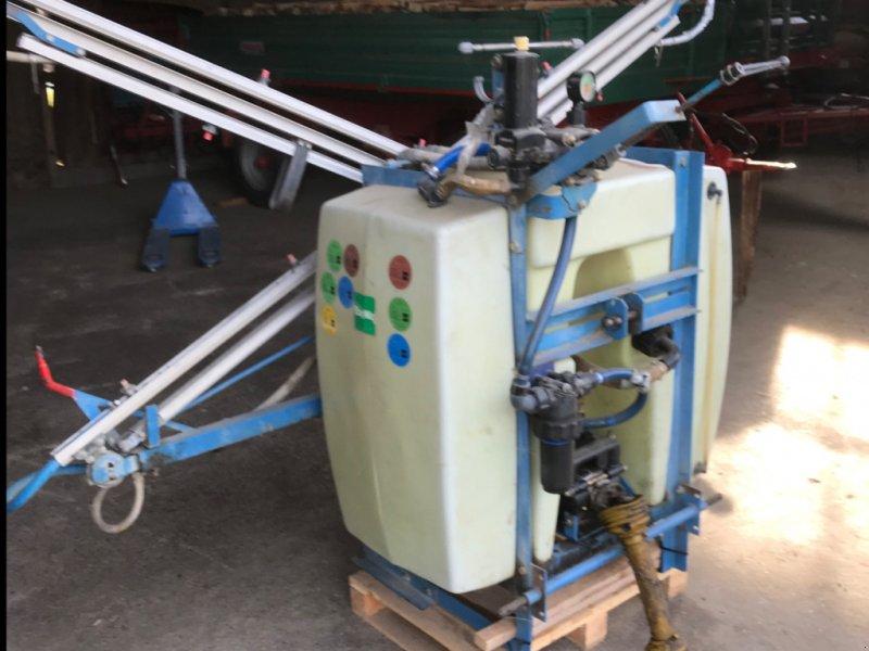 Feldspritze des Typs Tecnoma 400l, Gebrauchtmaschine in Geisenfeld (Bild 1)